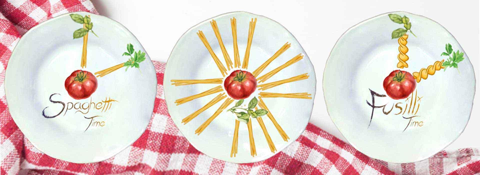 Selezione piatti in ceramica artigianale decoro pasta time